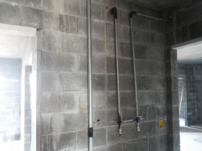 Instalações das tubulações de gás no 6º pavimento da torre 1