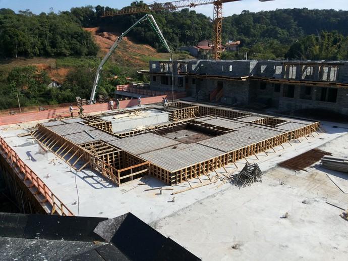 Execução do complexo de piscinas
